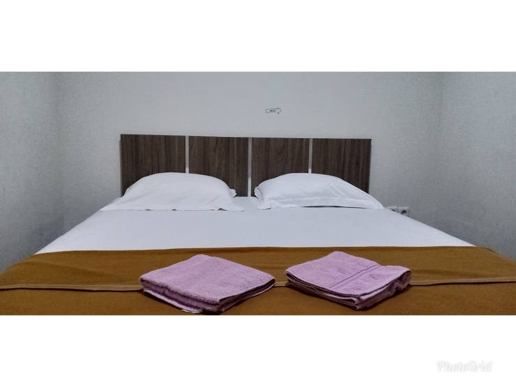 Lumiere Guest House Malang - DELUXE DOUBLE ROOM