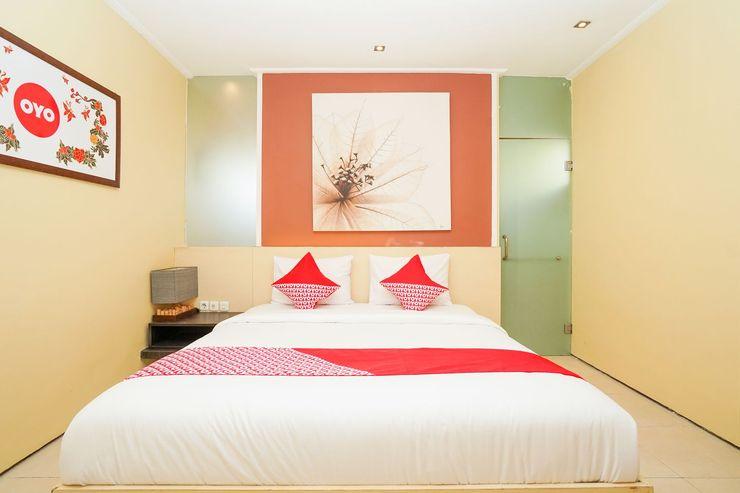 OYO 216 Elinoki Guest House Surabaya - Bedroom