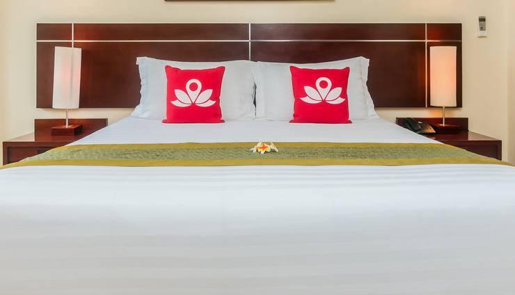 ZEN Premium Raya Legian Bali - Tampak tempat tidur double