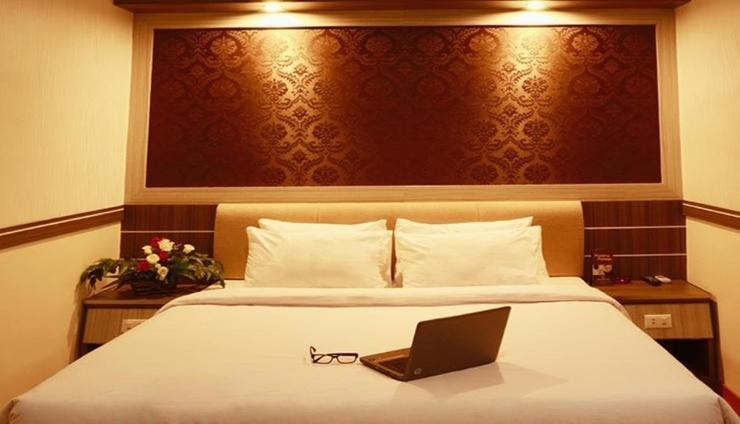 Mona Plaza Hotel Pekanbaru - Room