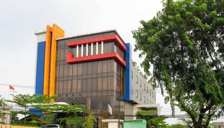 RedDoorz Premium @ Igloo Hotel Cikarang - Exterior