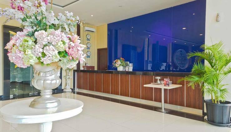 RedDoorz Premium @ Igloo Hotel Cikarang - Reception