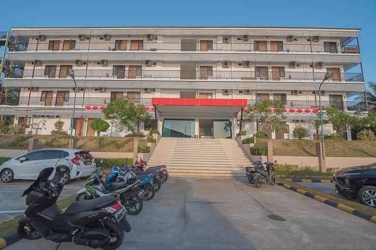 RedDoorz near Living Plaza Balikpapan Balikpapan - Photo
