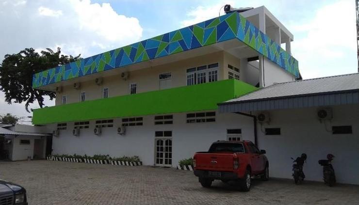 Kokonut Guesthouse Surabaya - exterior
