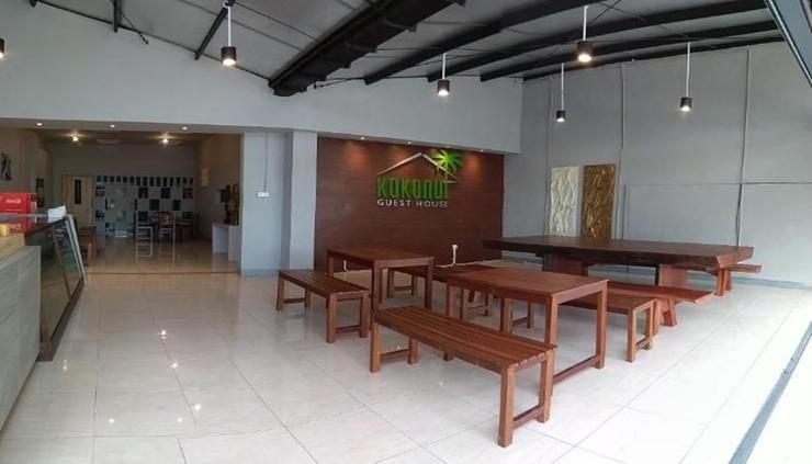 Kokonut Guesthouse Surabaya - interior