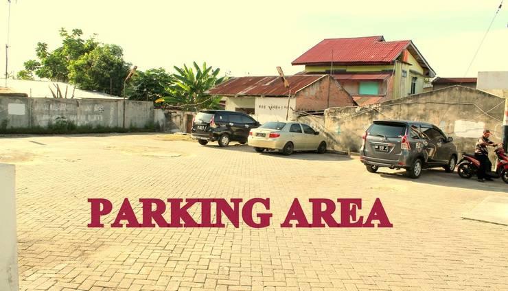 Wisma Sumber Mas Raya Pekanbaru - Parking area