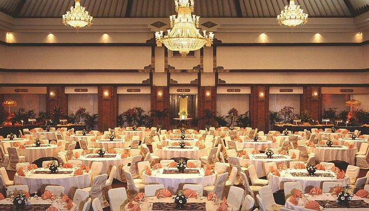 Discovery Kartika Plaza Hotel Bali - Ballroom - Makan Malam