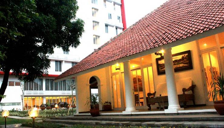 Metland Hotel Cirebon - Umah Kebon Restaurant