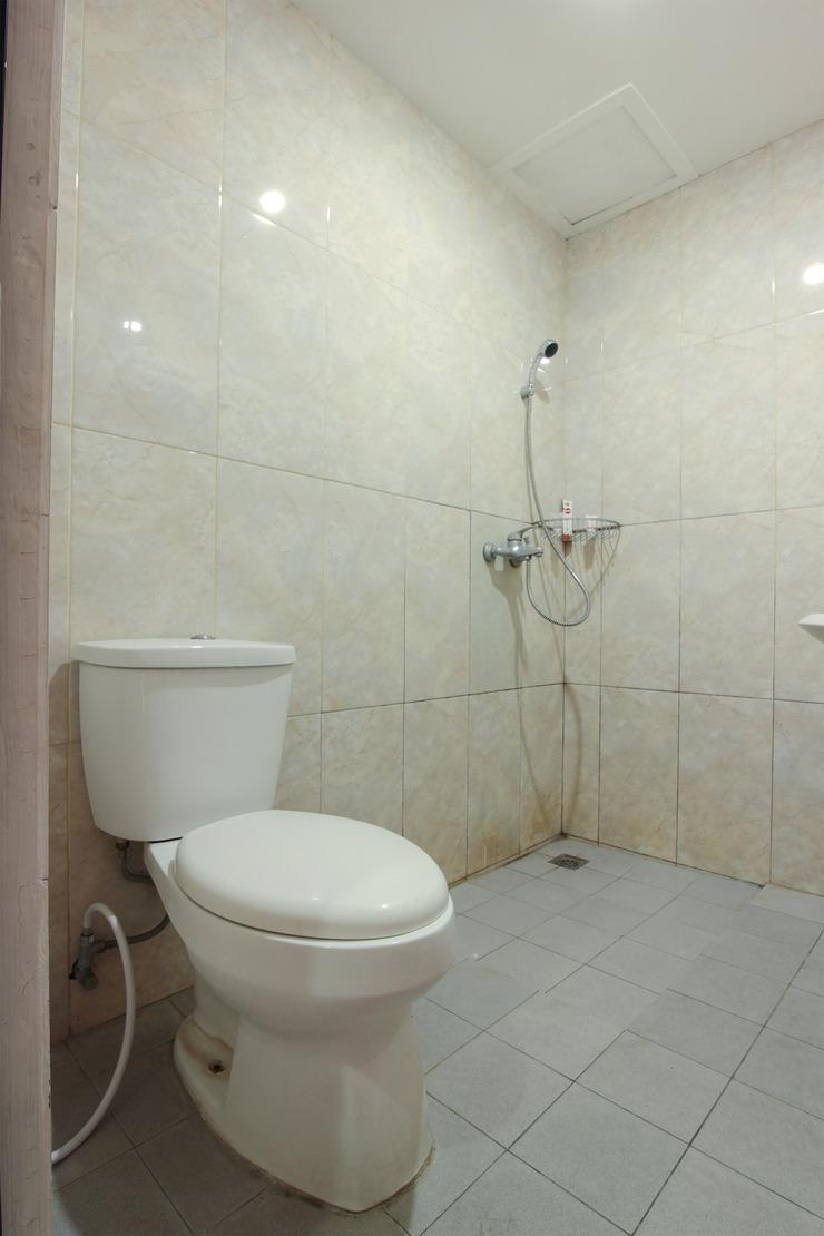 OYO 230 Maleo Residence Bandung - Bathroom