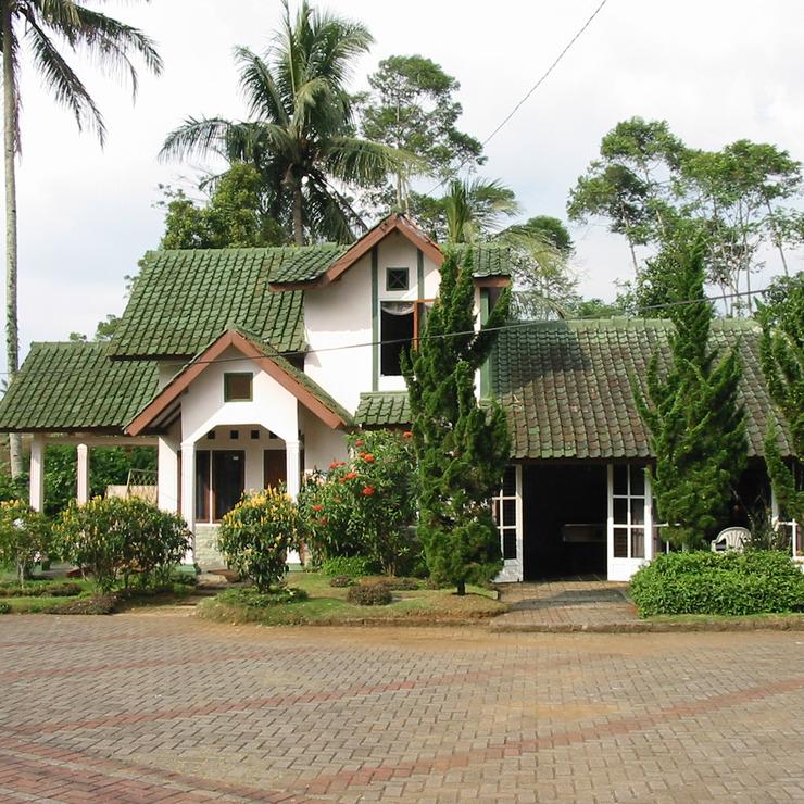 Java Highlands Resort Cianjur - Facade