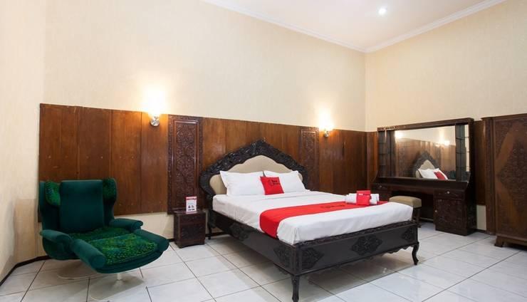 RedDoorz near Brawijaya University Malang - Guest room