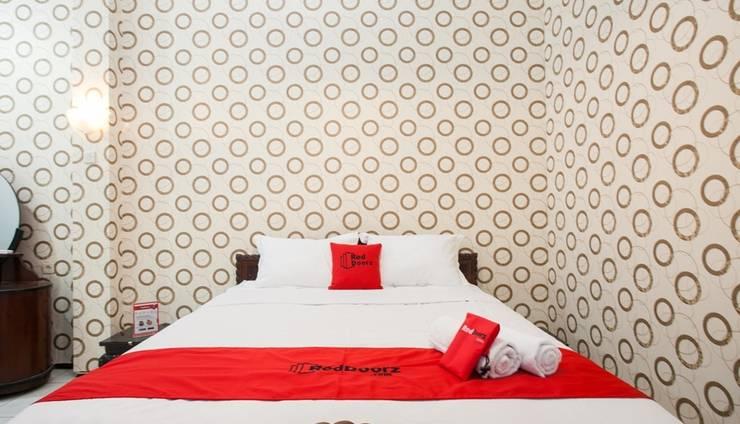 RedDoorz Plus near Brawijaya University Malang - Guest room