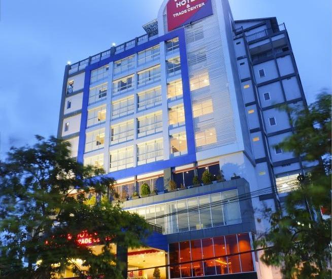 Her Hotel & Trade Center Balikpapan - Gambar Hotel