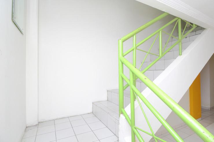 Airy Eco Stasiun Mangga Besar Tiga Belas 1A Jakarta Jakarta - Stairs