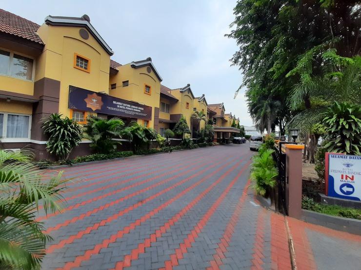 Hotel Permata Bandara Tangerang - Exterior