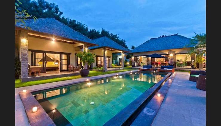 Villa Mahkota Seminyak - Featured Image