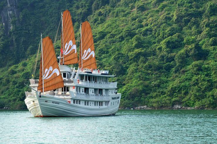 Paradise Luxury Cruise Ha Long - Featured Image