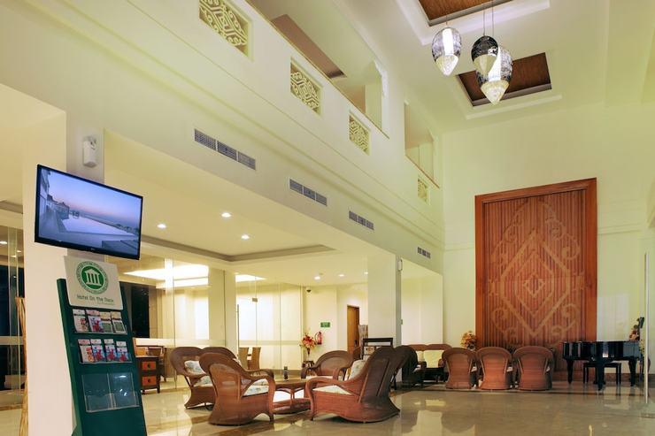 Hotel On The Rock Kupang - Lobby Sitting Area
