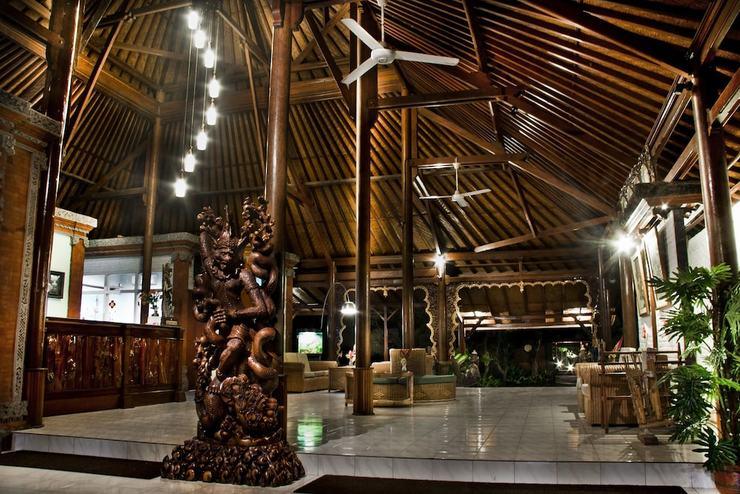 Bali Taman Beach Resort & Spa - Lovina Bali - Lobby Sitting Area