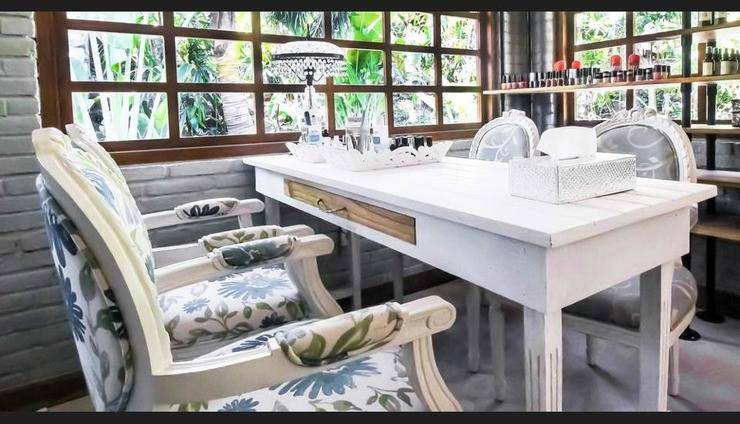 Komune Resort & Beach Club Bali - Nail Salon