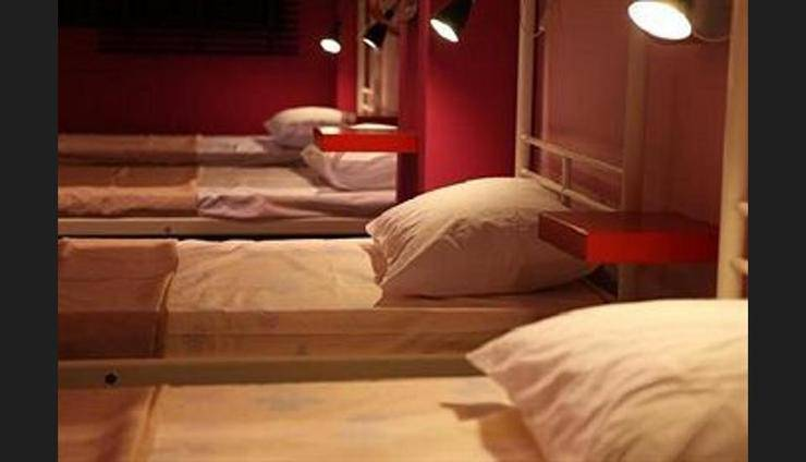 Beds & Dreams Inn @ Clarke Quay - Featured Image