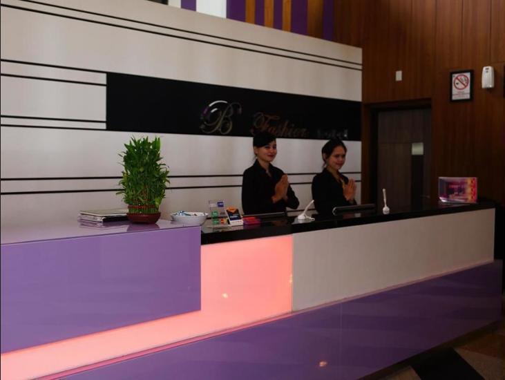 B Fashion Hotel Jakarta - Reception