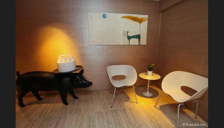 Wangz Hotel Singapore - Lobby Sitting Area
