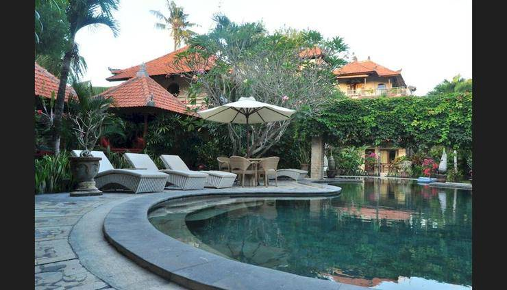 Kusnadi Hotel Bali - Featured Image
