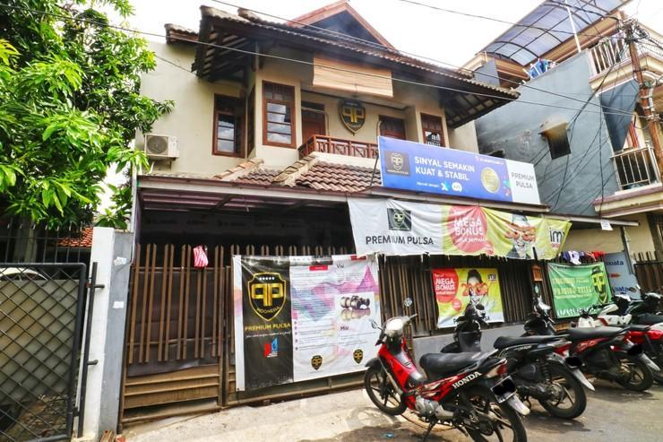 Premium Senen Guest House Jakarta - View