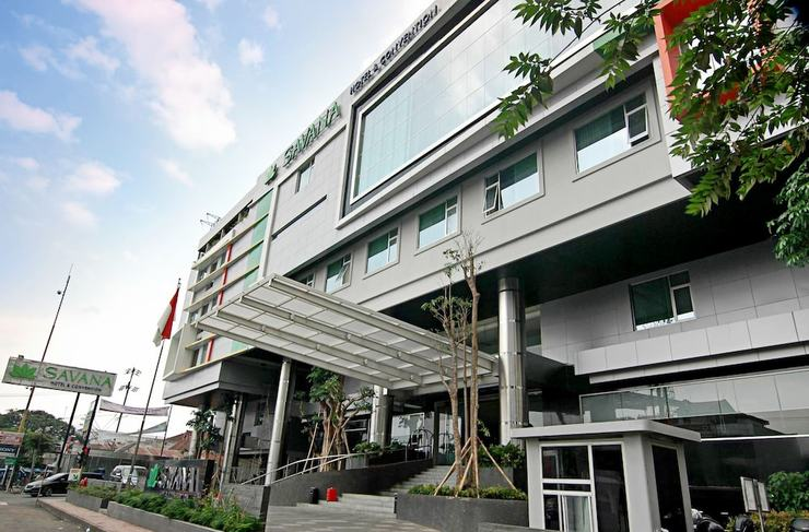 Savana Hotel Malang - Front of Property