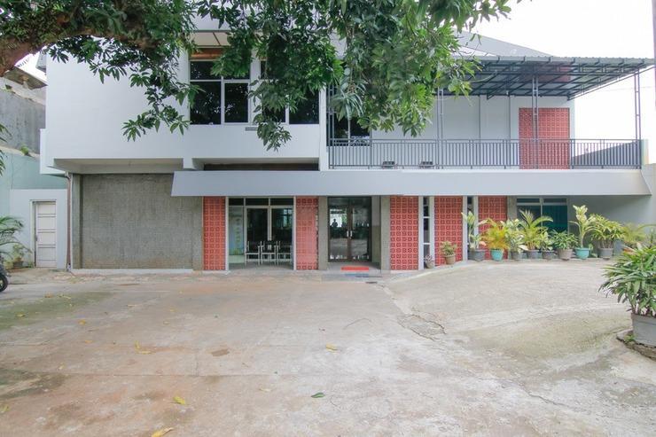 RedDoorz Syariah near Akademi Kepolisian Semarang 2 Semarang - Exterior