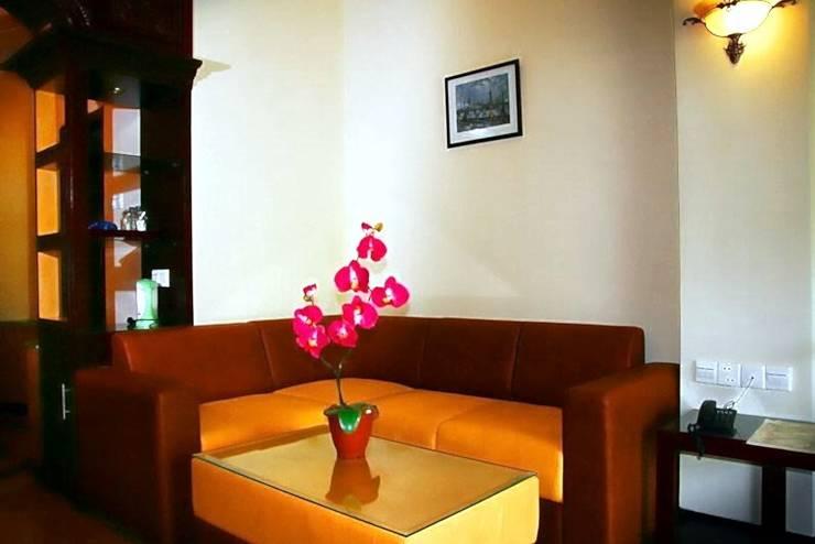 Hotel Vanda Gardenia Trawas -  Family Room's Sofa