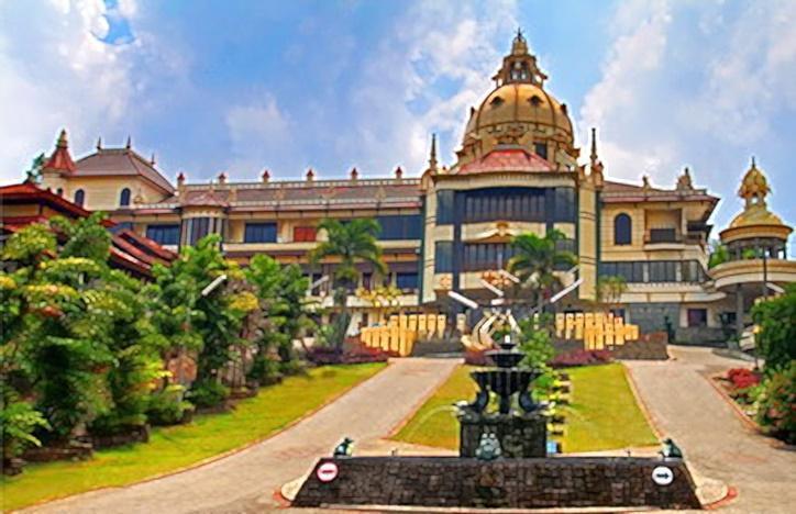 Hotel Vanda Gardenia Trawas - Tampilan Luar Hotel