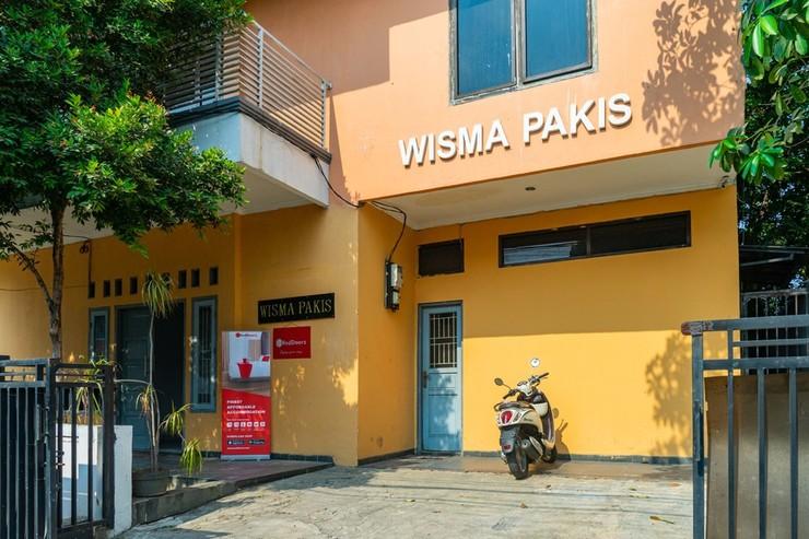 RedDoorz Syariah near Grand Galaxy Park Bekasi - Photo