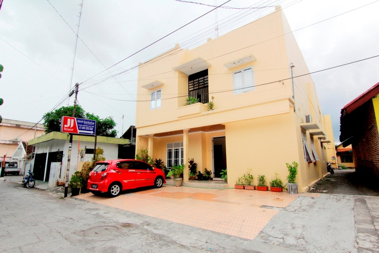 JJ House Gejayan Yogyakarta - Exterior