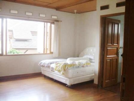 Villa Istana Bunga 4 Bedrooms Bandung - Villa Garuda 2