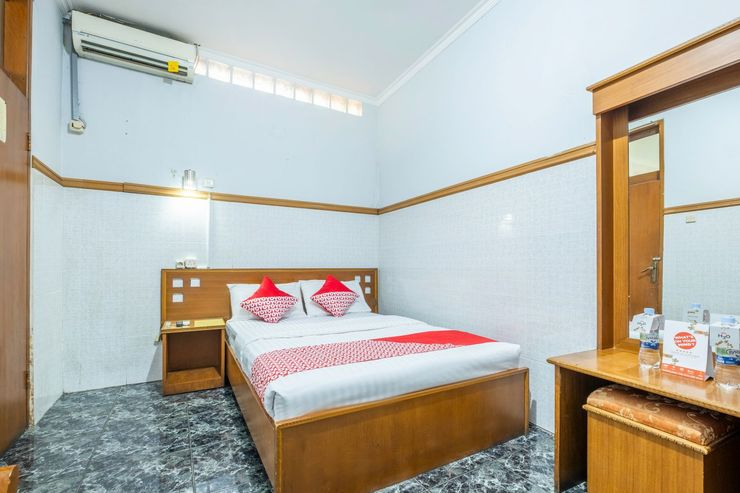 OYO 1446 Patradisa Hotel Bandung - Bedroom
