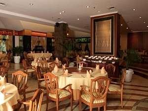 Hotel Ambhara Blok M - Restoran Dampu Rampah