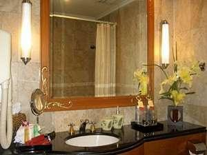 Hotel Ambhara Blok M - Kamar Mandi Deluxe