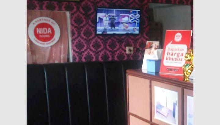 NIDA Rooms Cengkareng Airport Jakarta - receptionis