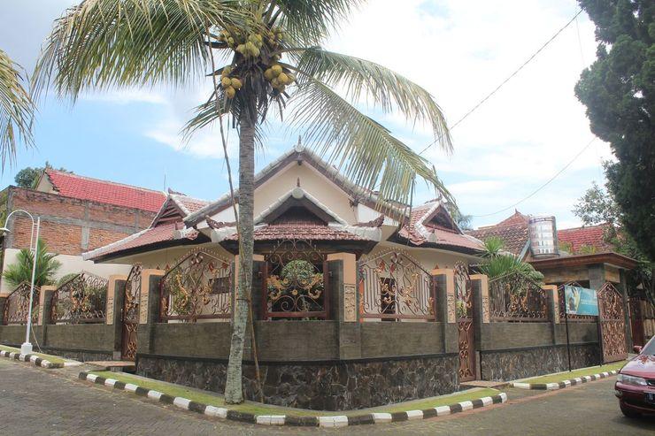 Bukit Shofa Homestay Syariah Malang - Exterior