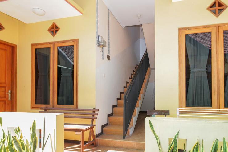 Airy Eco Lowokwaru Bendungan Kedung Ombo 3 Malang - Stairs
