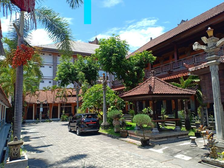 OYO 3261 Hotel Ratu Bali - Facade