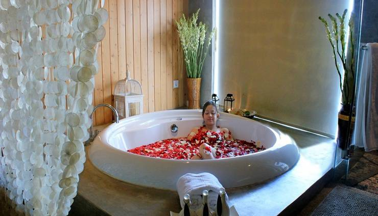 Bliss Surfer Thematic Hotel Bali - Jacuzzi