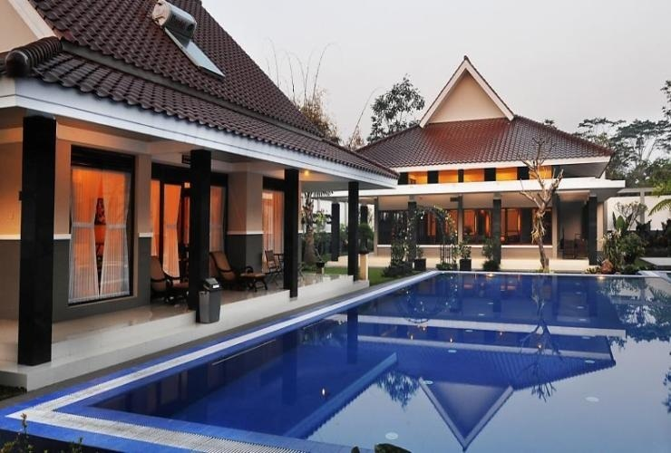 Griya Persada Hotel  Yogyakarta - Pool