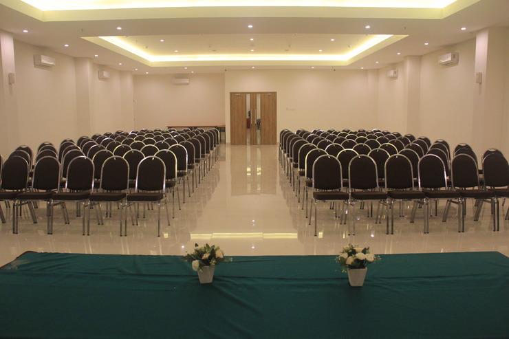 Depari Hotel Medan - Meeting Room