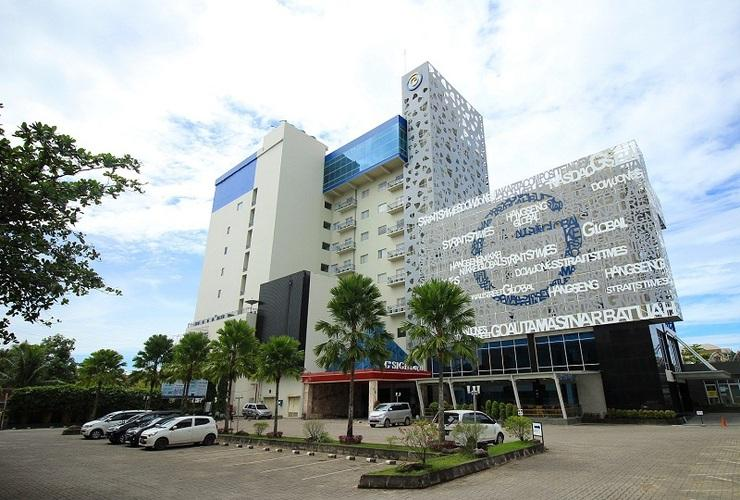 G Sign Hotel  Banjarmasin - Facade