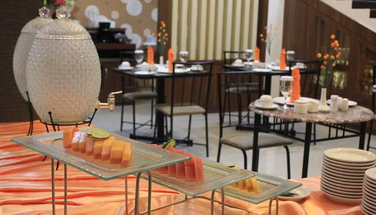 Mel's Inn Manado - Restoran