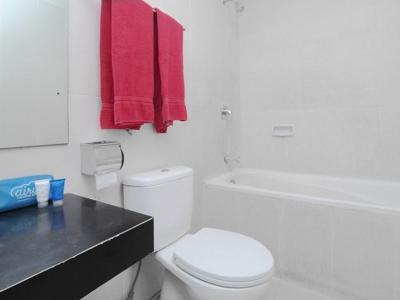 Airy Candisari Sisingamangaraja 4 Semarang - Bathroom