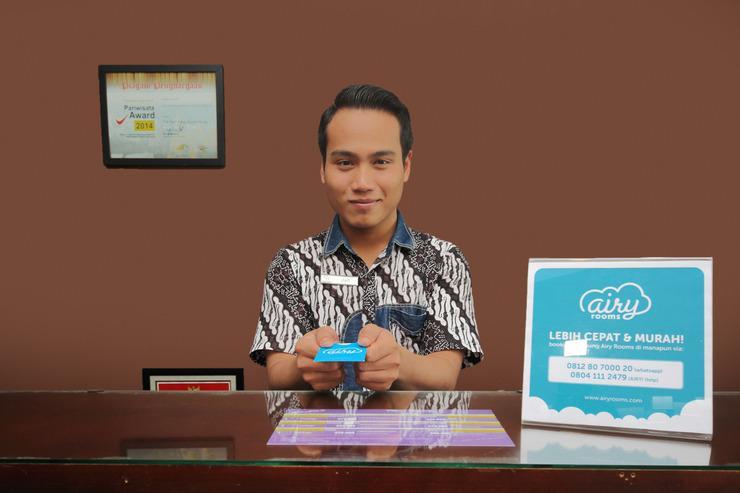 Airy Candisari Sisingamangaraja 4 Semarang - Reception